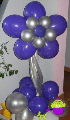 Flor de pie morada y plateada