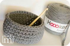 """panier hoooked by """"des bouts de nous"""" Johnston Basket Weave Crochet, Crochet Bowl, Crochet Crafts, Crochet Yarn, Yarn Crafts, Basket Weaving, Crochet Hooks, Crochet Projects, Wool Thread"""