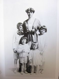 Tom, Kit, Kate; From the bottom, left to right: Dick and Bob. Their mother, Katharine Houghton Hepburn was a very important suffragist and social reformer of the early 20th century.