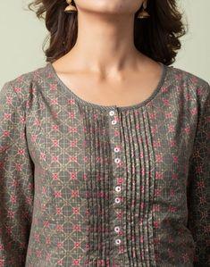 New Kurti Designs, Simple Kurta Designs, Blouse Designs Silk, Kurta Designs Women, Kurti Designs Party Wear, Designs For Dresses, Dress Neck Designs, Salwar Neck Patterns, Salwar Kameez Neck Designs