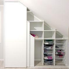 Small Walkin Closet, Attic Closet, Walk In Closet, Closet Designs, Getting Organized, Decoration, My Dream Home, Decorating Your Home, Bookcase