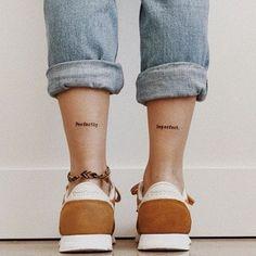 Blumen zeichnen - Top 500 Best Tattoo Ideas And Designs For Men and Women Mini Tattoos, Flower Tattoos, Body Art Tattoos, Bff Tattoos, Tattoo Quotes, Tattoos For Women Small, Small Tattoos, Ankle Tattoos For Women, Dainty Tattoos