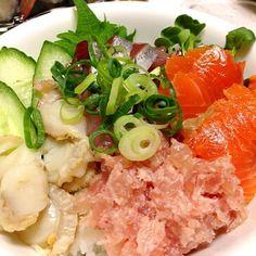 今日は6月が誕生日の次男と三男のために作りました。 - 49件のもぐもぐ - 海鮮丼 by MIZUHO68KANAI