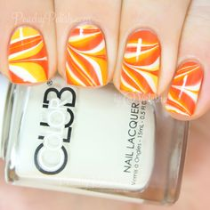 Most up-to-date Pictures Fall Nail Art candy corn Style Present wonderful glitters a fall-perfect bring up to date by having an uber quite autumn leaf throu Halloween Nail Designs, Halloween Nail Art, Halloween House, Halloween Candy, Scary Halloween, Water Marble Nail Art, Marble Nails, Nail Art Blog, Manicure At Home