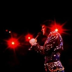 Elvis on stage in Greensborrow in april 14 1972.