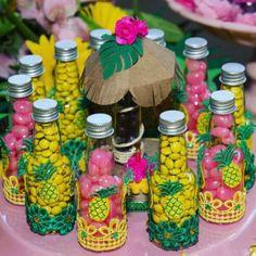Hawaiian Birthday, Flamingo Birthday, Luau Birthday, Flamingo Party, Luau Theme Party, Aloha Party, 40th Birthday Decorations, 13th Birthday Parties, Moana Party