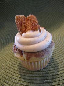 Cooking The Day Away: Churro Cupcakes wtih Dulce de Leche...