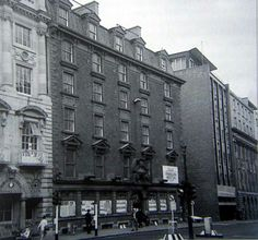 Old Jury's Hotel, Dame Street. Dublin Street, Dublin City, Old Pictures, Old Photos, Grafton Street, Photo Engraving, Ireland Homes, Dublin Ireland, Book Of Life