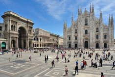 If you're looking for a place for your kids to run around, go to any main square in any Italian city. These are wide open and free of cars, perfect to let your kids have free reign for a little while! #travel #italy