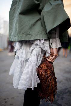 """【スナップ】英国紳士からトレンドの""""タッキー""""スタイルまで登場 2016-17年秋冬ロンドン・ファッション・ウイーク ストリートスナップ(161枚) 129 / 156"""