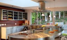 FCB:Design (Markus Canter) Project: Savona Road, Bel Air, CA 90077 modern kitchen Stainless Kitchen, Beautiful Kitchen Designs, Countertop Design, View Kitchen Designs, Stainless Steel Kitchen Island, Curved Kitchen Island, Best Kitchen Designs, Kitchen Design, Stainless Kitchen Design