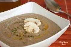 Cremosa di funghi e patate, un buon primo piatto da gustare nei periodo invernale. Questa ricetta è veramente facile da preparare, a un sapore d'avvero unic