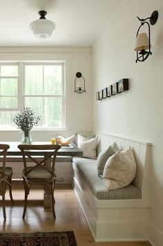 Dining table with corner bench... this is what I want to do! Just trying to get ideas ;)