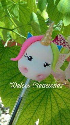 Unicornio! Bolígrafo Decorado.  Pasta Flexible, Porcelana Fría, Biscuit.  Hecho por Mary Reyes de Dulces Creaciones .