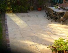 infinitepaving - supplying high quality natural stone paving, indian sandstone and indian limestone in patio packs, circles, setts, steps and walling for garden patios and interior flooring. Red Brick Paving, Sandstone Paving, Brick Edging, Limestone Patio, Red Brick Walls, Flagstone Patio, Small Garden Design, Paving Stones, Red Bricks