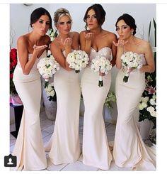 Love these mermaid bridesmaids
