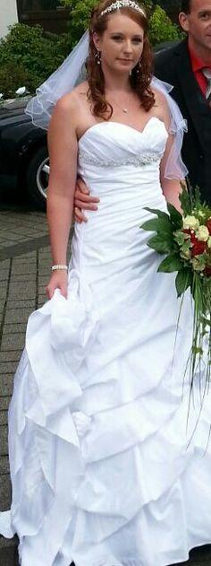 ♥ Wunderschönes Brautkleid ♥  Ansehen: https://www.brautboerse.de/brautkleid-verkaufen/wunderschoenes-brautkleid-6/   #Brautkleider #Hochzeit #Wedding