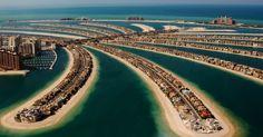 Eleita um dos 25 melhores destinos do mundo no Traveller's Choice Awards 2014, Dubai, nos Emirados Árabes, continua apostando em uma série de eventos culturais e esportivos para trazer ainda mais turistas à seu território. Mas a futura sede da Expo 2020 tem muito mais a oferecer. Numa paisagem em que as construções são bastante diversas, conheça alguns dos prédios mais diferentes de Dubai