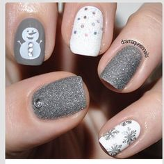 30 festive Christmas acrylic nail designs: Gray Christmas Nails