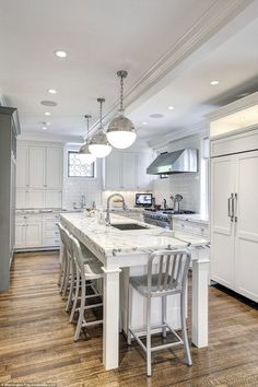 The Obamas Just Bought Their Gorgeous Rental Home In DC Look Inside Obama HouseDream KitchensWhite