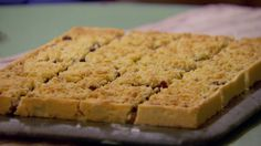 Try this recipe for Mincemeat Streusel from PBS Food. Mary's from British Baking British Baking Show Recipes, British Bake Off Recipes, Baking Recipes, Healthy Recipes, Great British Bake Off, Just Desserts, Dessert Recipes, Delicious Desserts, Cake Recipes
