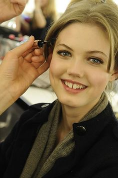 Lindsey Wixson Photos Fall 2010 Ready-to-Wear Versace - Beauty on Style.com