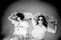 Vans http://www.frontrunner.nl/vans/ #girls #skateboard #sunglasses #blackwhite #vans
