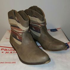 Unionbay Super Cute Boots!!! Very Cozy!! - Size 6M These boots are Union J Brand have a very nice soft fabric top. They have moderate wear on the very bottom of the sole. Unionbay Shoes Ankle Boots & Booties