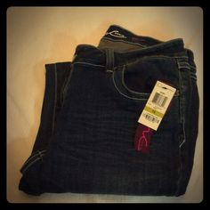 NWT Inc Denim bootleg curvy fit jeans. NWT Inc Denim bootleg curvy fit jeans.  Super cute ⭐️new with tags. Size 14. Make me an offer on these great jeans.                                                                                                                                     No trades. MS INC International Concepts Jeans Boot Cut