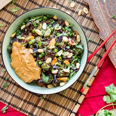 One Pot Quinoa 'Thai Style' mit Erdnusssauce