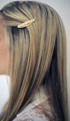 Love that gold feather hairpin