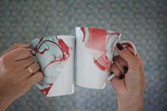 DIY Canecas decoradas com esmalte