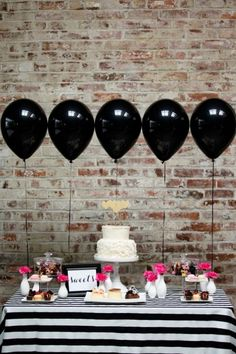 Black balloons at a party? Why not, when they're as pretty as this! The graphic black-and-white party table with pops of pink is absolutely gorgeous. Kate Spade Party, Kate Spade Bridal, Kate Spade Cake, Rosa Desserts, Pink Desserts, 30th Birthday, Birthday Parties, Classy Birthday Party, 60th Birthday Ideas For Mom