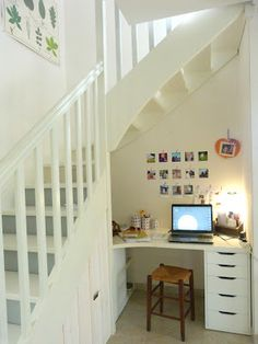 1000 images about sous escalier on pinterest bureaus for Bureau sous escalier