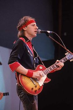 People born on exactly the same day (but they're not twins). Mark Knopfler, U Mark, Music Collage, Live Aid, Tunnel Of Love, Dire Straits, Tears For Fears, Killer Queen, 80s Music