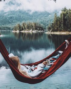 Travel Photos Photography Wanderlust Travel Destinations In The Us Adventure Aesthetic, Camping Aesthetic, Travel Aesthetic, Pink Aesthetic, Mountain Love, Lake Mountain, Camping Sauvage, Camping Photography, Kayak
