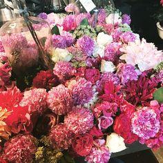"48 Likes, 3 Comments - Edward Bulmer Natural Paints (@eb_naturalpaint) on Instagram: ""Friday blooms, always makes us smile @libertylondon #naturalbeauty #naturalpaint #flowers…"""