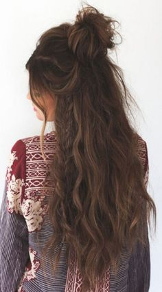 45+ Fabulous Women's Long Hair Hairstyles Ideas for Your Easy Going Summer https://www.tukuoke.com/45-fabulous-womens-long-hair-hairstyles-ideas-for-your-easy-going-summer-1450