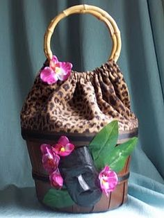 I remember when people would make these purses out of baskets!