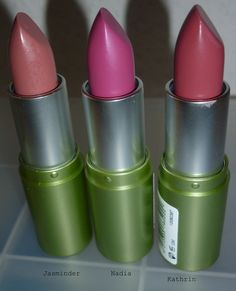Ich werde eine woche überfällig, aber ich werde mit lippenstift. Ich jubeln mit farben stärker, aber in formeln leicht ist. Und, ich einer vorherge... #bourjois #catrice #fuchsia #lippenstiftederwoche #redinbed