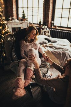 Breastfeeding Photos, Pregnancy Photos, Relationship Goals Pictures, Cute Relationships, Maternity Pictures, Baby Pictures, Maternity Photography, Couple Photography, Couple Goals Cuddling