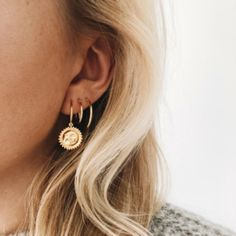 Trending Ear Piercing ideas for women. Ear Piercing Ideas and Piercing Unique Ear. Ear piercings can make you look totally different from the rest. Tiny Stud Earrings, Emerald Earrings, Unique Earrings, Crystal Earrings, Women's Earrings, Silver Earrings, Silver Ring, Silver Jewelry, Vintage Earrings