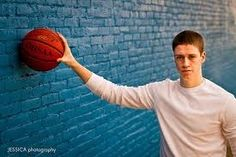 Ideas Sport Pictures Basketball Senior Boys Practical knowledge - Any individual attempting to make an Senior Picture Poses, Track Senior Pictures, Basketball Senior Pictures, Senior Boy Poses, Unique Senior Pictures, Senior Picture Outfits, Sports Pictures, Senior Photos, Senior Portraits