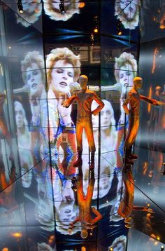 DAVID BOWIE EXHIBITION IN LONDON IS A HIT BEFORE IT OPENS - http://pilarrossiblog.wordpress.com/2013/03/21/david-bowie-exhibit-opens-in-london/