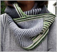 Ravelry: Eisig-Warm pattern by dreamersplace. Free knitting pattern on Ravelry. Knitting Patterns Free, Knit Patterns, Free Knitting, Free Pattern, Knitted Shawls, Crochet Scarves, Knit Cowl, Knit Or Crochet, Crochet Hats