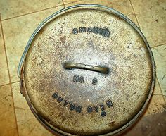 Old SMART'S #9 CAST IRON DUTCH OVEN WITH BALE HANDLES