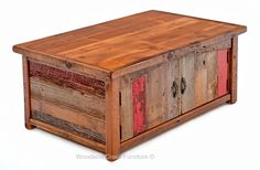 Casual Cottage Coffee Table in Vintage Colors