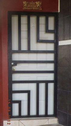 Portón Grill Gate Design, Window Grill Design Modern, Steel Gate Design, Iron Gate Design, House Gate Design, Railing Design, Tor Design, Steel Security Doors, Sliding Door Design