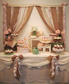Shabby Chic & Vintage wedding cake table