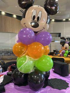 Halloween Birthday Parties, Mickey Halloween Party, Minnie Mouse Halloween, Birthday Party Tables, Mickey Mouse Parties, Mickey Party, Halloween Party Decor, Halloween Halloween, Birthday Bash